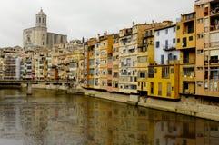 Vista de Girona y de la catedral Foto de archivo libre de regalías
