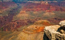 Vista de Grand Canyon en colores brillantes imágenes de archivo libres de regalías