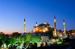 Vista de Hagia Sófia ou de Ayasofya na noite em Istambul Turquia Fotos de Stock Royalty Free