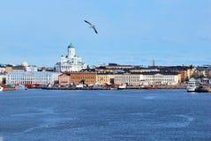 Vista de Helsínquia do mar fotos de stock