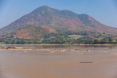 Vista de Kaeng Kud Ku Río de Khong Imagen de archivo libre de regalías