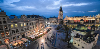 Vista de Kraków, Polonia en la puesta del sol Fotos de archivo libres de regalías