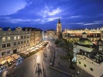Vista de Kraków, Polonia en la puesta del sol Imágenes de archivo libres de regalías