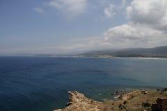 Vista de la bahía con el coral Foto de archivo
