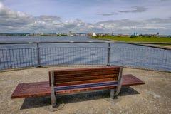 Vista de la bahía de Cardiff del Barage Fotos de archivo libres de regalías