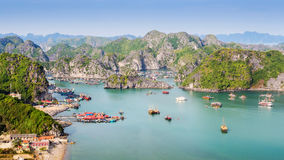 Vista de la bahía de Halong, Vietnam del norte fotografía de archivo libre de regalías