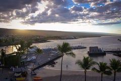 Vista de la bahía de Kailua Kona del mesón de rey Kamehameha Kona Beach Fotos de archivo