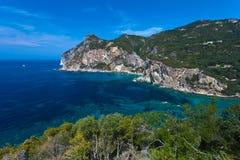 Vista de la bahía de Paleokastritsa Imagen de archivo libre de regalías