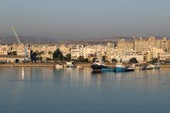 Vista de la bahía del ` s de Larnaca October-12-2017 Foto de archivo libre de regalías