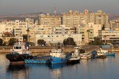 Vista de la bahía del ` s de Larnaca October-12-2017 Imagenes de archivo