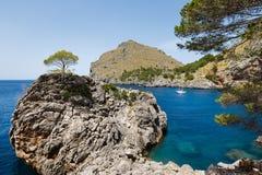 Vista de la bahía del Sa Calobra en Mallorca Fotografía de archivo libre de regalías