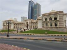 Vista de la cámara en Sharja, arquitectura tradicional del comercio fotografía de archivo