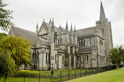 Vista de la catedral de St Patrick en Dublín, Irlanda, día nublado Fotografía de archivo libre de regalías