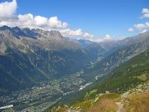 Vista de la ciudad de Chamonix Fotografía de archivo libre de regalías