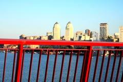 Vista de la ciudad de Dnepr del nuevo puente Fotos de archivo