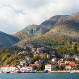 Vista de la ciudad de Kamenari. Montenegro Imágenes de archivo libres de regalías