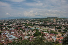 Vista de la ciudad de las montañas Tbilisi Foto de archivo