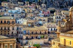Vista de la ciudad de pizcas de San Pietro Church Fotos de archivo
