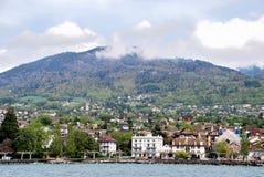 Vista de la ciudad del lago Lemán Fotografía de archivo libre de regalías