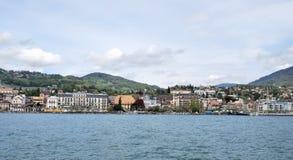 Vista de la ciudad del lago Lemán Imágenes de archivo libres de regalías