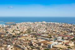 Vista de la ciudad del Praia en Santiago - capital de las islas de Cabo Verde - fotos de archivo libres de regalías