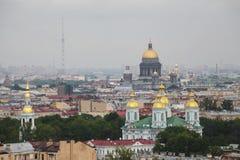 Vista de la ciudad europea vieja de la altura del vuelo del pájaro St Petersburg, Rusia, Europa del Norte Fotografía de archivo libre de regalías