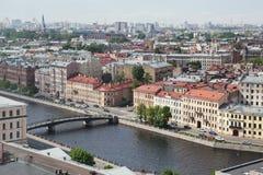 Vista de la ciudad europea vieja de la altura del vuelo del pájaro St Petersburg, Rusia, Europa del Norte Foto de archivo