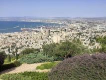 Vista de la ciudad israelí de Haifa en el mar Mediterráneo Fotografía de archivo libre de regalías