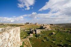 Vista de la ciudad muerta de Serjilla Imagenes de archivo