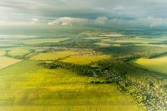 Vista de la ciudad o del pueblo visto desde arriba foto de archivo