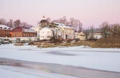 Vista de la ciudad rusa antigua Myshkin imágenes de archivo libres de regalías