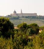 Vista de la ciudad santa de Loreto Imagenes de archivo