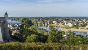 Vista de la ciudad de Saumur, Francia imagenes de archivo