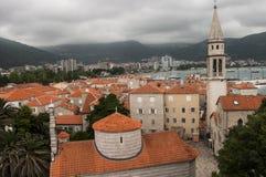 Vista de la ciudad vieja de Budva imagen de archivo libre de regalías