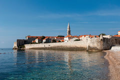 Vista de la ciudad vieja de Budva, Montenegro Imágenes de archivo libres de regalías