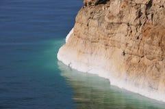 Vista de la costa costa del mar muerto Imagen de archivo libre de regalías