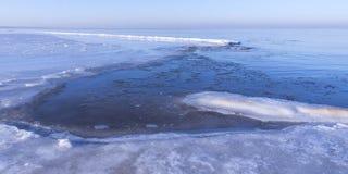 Vista de la costa en invierno Fotos de archivo