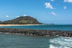 Vista de la costa de Maili en Oahu del oeste, Hawaii foto de archivo