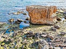 Vista de la costa y del mar en Alghero Cerdeña, Italia Fotografía de archivo
