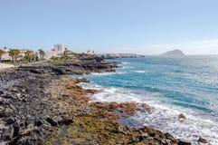 Vista de la costa y del puerto deportivo de Los Abrigos en al sureste de Fotos de archivo libres de regalías