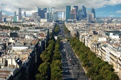 Vista de la defensa del La en París Fotos de archivo libres de regalías