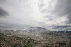 Vista de la devastación alrededor de St Helens del Mt Imagenes de archivo