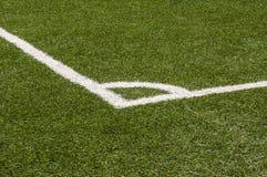 Vista de la esquina de un campo de fútbol fotografía de archivo
