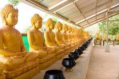 Vista de la estatua de buddha fotografía de archivo