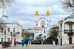 Vista de la iglesia de Voskresenskaya (Rynkovaya), calle de Suvorov, Viteb Fotografía de archivo