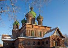 Vista de la iglesia vieja en Yaroslavl fotos de archivo libres de regalías