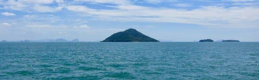Vista de la isla de Ko Kam, Tailandia Imagenes de archivo