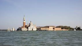 Vista de la isla y de la catedral de San Giorgio Maggiore. VE Foto de archivo