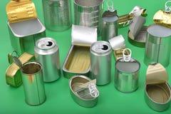 Vista de la lata aislada en verde imagen de archivo