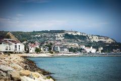 Vista de la orilla del mar de Balchik en Bulgaria septentrional Fotografía de archivo libre de regalías